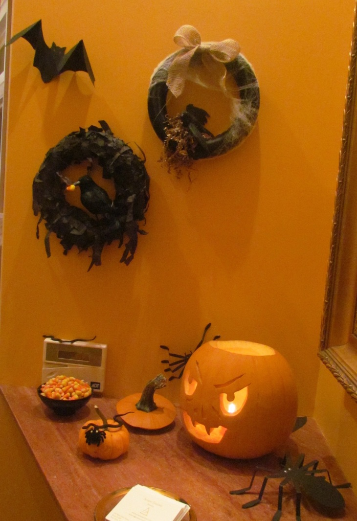 Entryway to my pre-Halloween trunk show